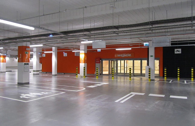 Poland's Biggest Shopping Centre Installs Deckshield Car Park Decking5